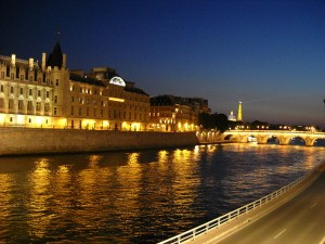 Seine at night 300x225 A Pedestrian in Paris   John Baxter shares his Most Beautiful Walk in the World