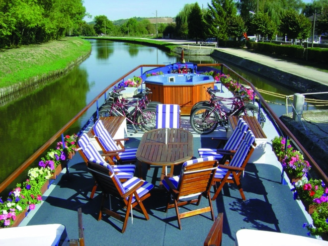 The_Sundeck_On_L'art_de_Vivre_Hotel_Barge